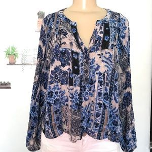 Forever21 blue black cream long sleeve top blouse